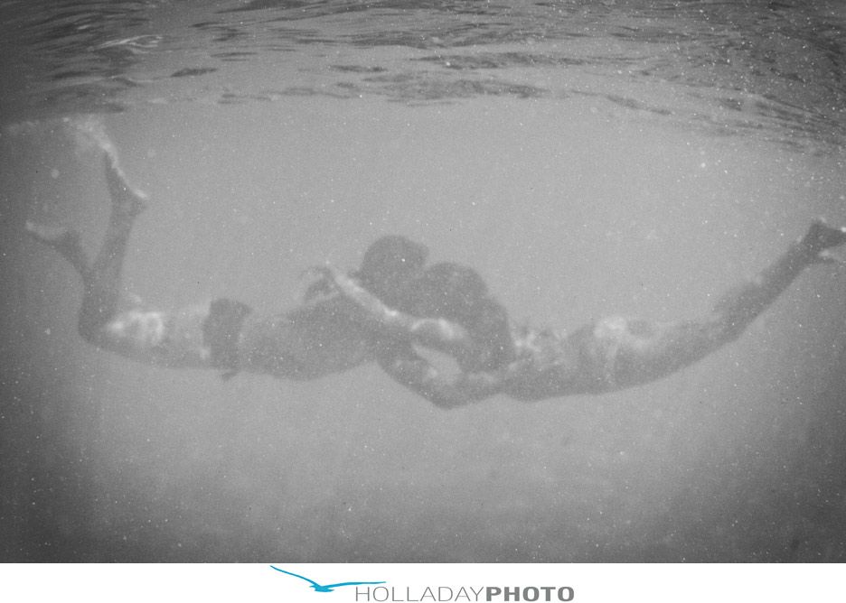 Hawaii-underwater-engagement-photography