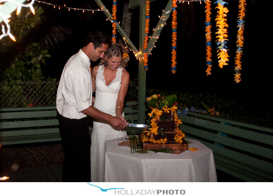 Hawaii-wedding-cake-2