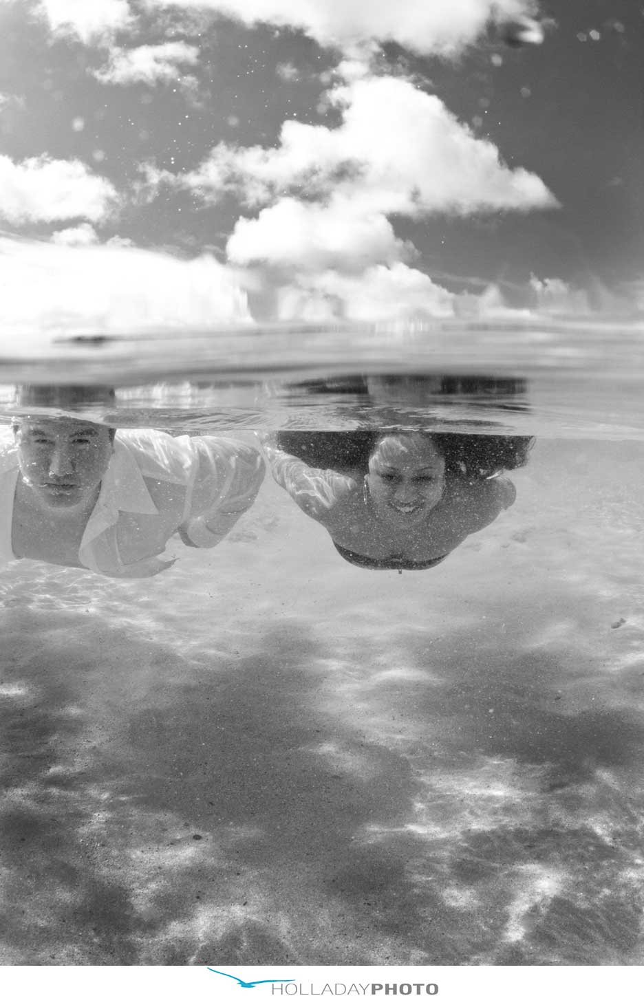 hawaii- underwater-engagement-photography