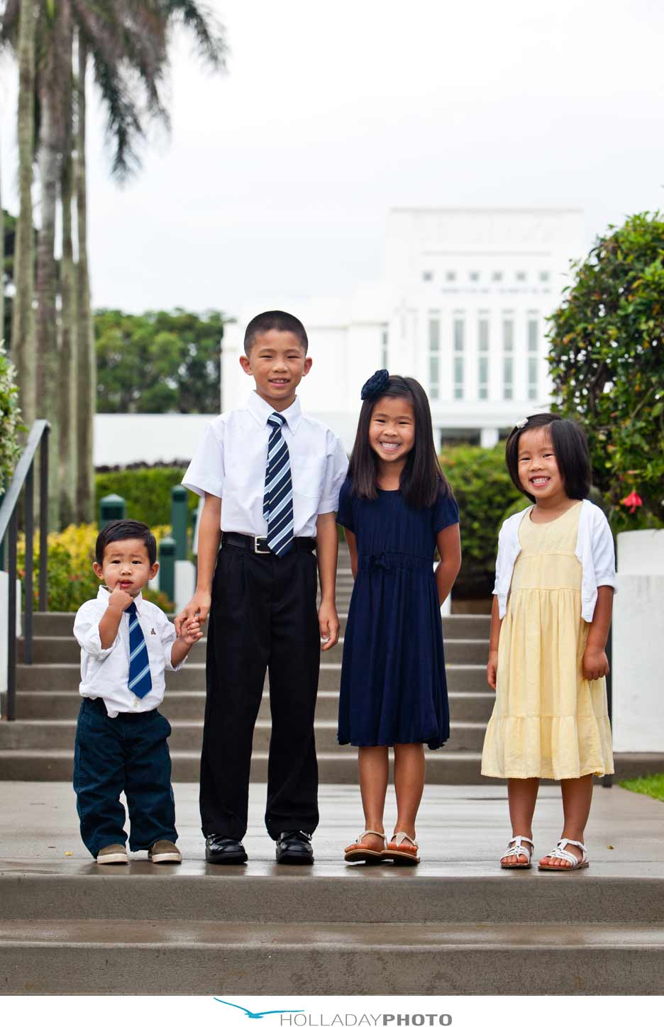 Family photographer laie temple