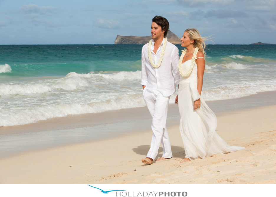 Wedding dresses hawaiian wedding dresses kauai for Honolulu wedding dress rental